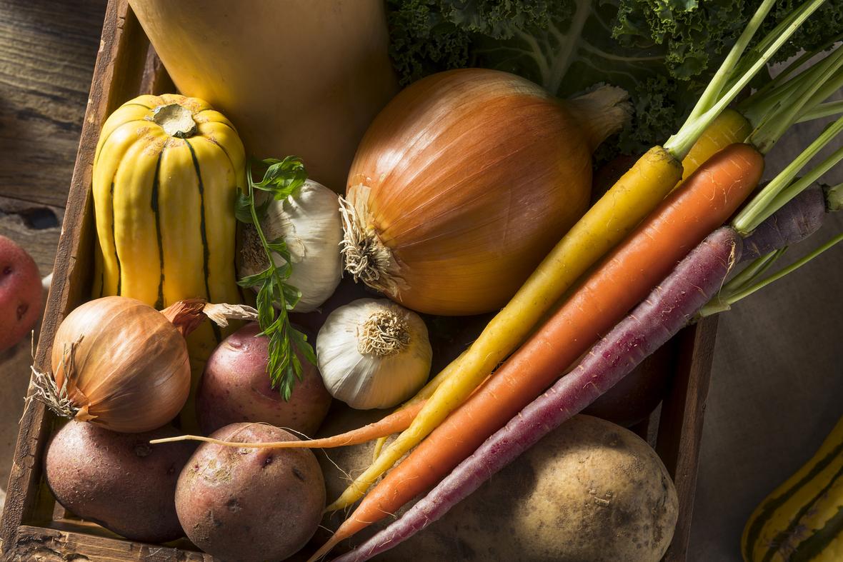 bigstock-Raw-Organic-Winter-Farmers-Mar-221244973